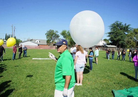 weather_balloon_science_michael_1900px.jpg